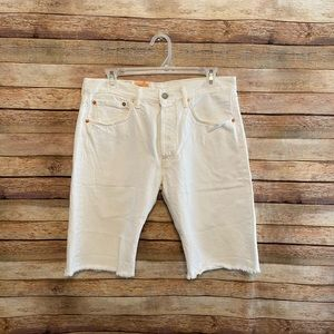 NWT Levi's 501 White Cut Off Jean Shorts Size 31